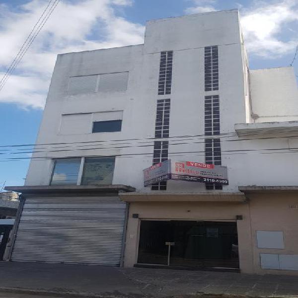 Edificio comercial 450 m² cub. a m. ferrocarril urquiza