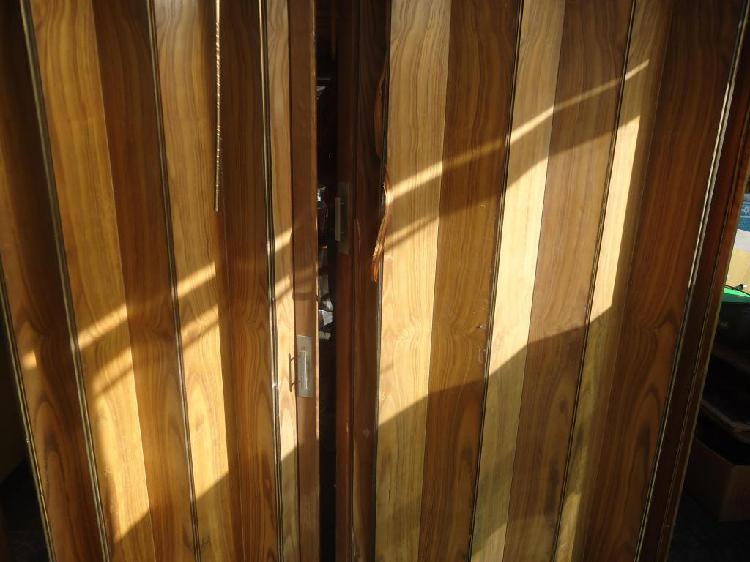 Puerta cortina corrediza enchapada en madera
