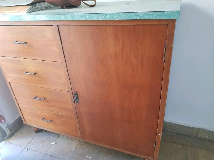 Aparador antiguo, mesa tv