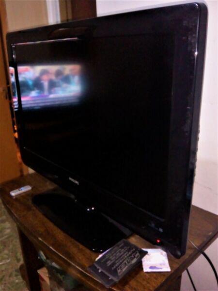 Philips lcd 32 tv hd excelente estado hdmi audio video vga