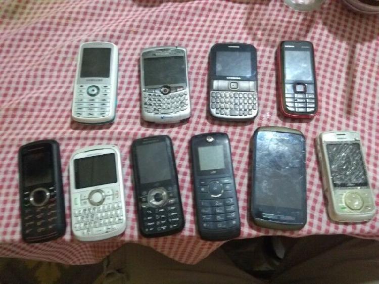 Lote de 10 teléfonos celulares