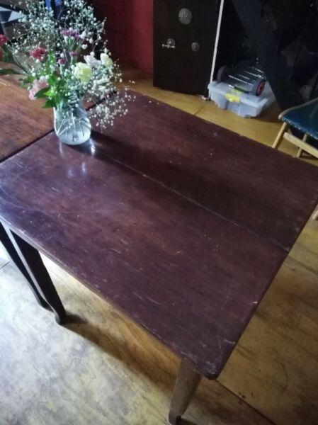 Vendo mesas de roble, antiguas, restauradas
