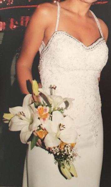 Vestido novia con strass y perlas elegante