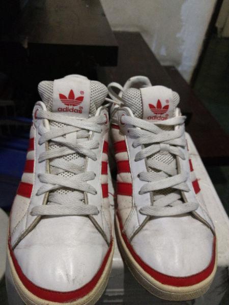 e2738991a8e Adidas tenis   ANUNCIOS Abril