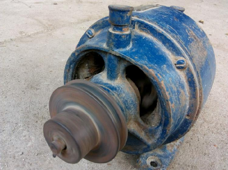 Motor trifásico marelli