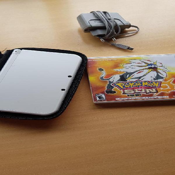Nintendo 3ds xl cargador, estuche, juego