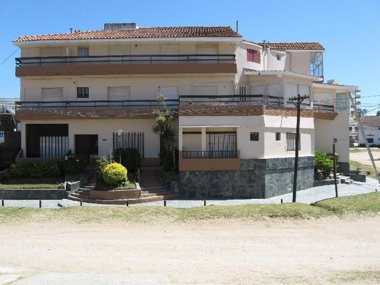 Villa gesell 2 ambientes 4 plazas con vista al mar, paseo