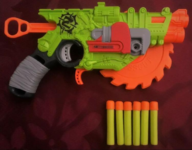 Nerf zombie strike crosscut blaster 6 cartuchos impecable