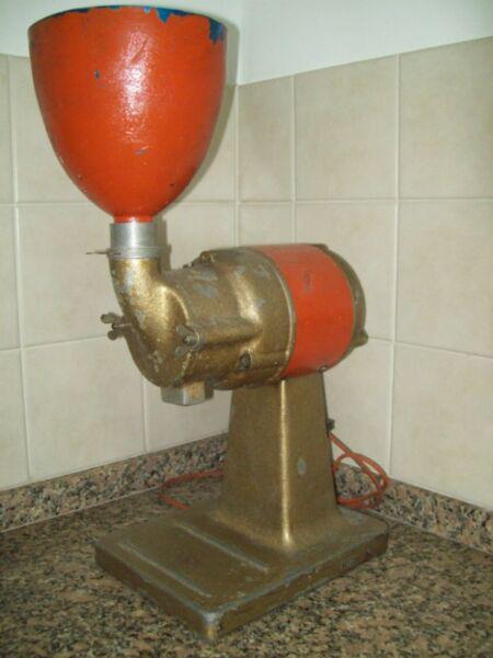 Molino de café eléctrico, marca king kong, motor 1/2 hp