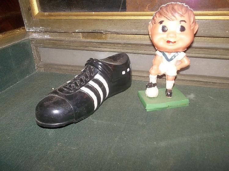 antiguo muñeco de plastico cabezon de velez sarfield con