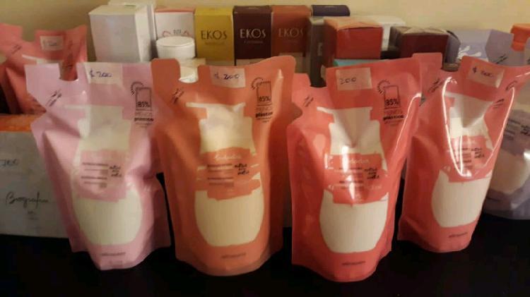 Productos natura, perfumes, cremas, jabones de baño, etc