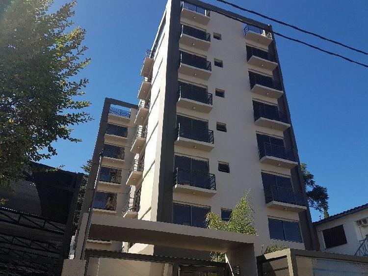 Venta depto centro nvo: amoblado y c/balcon panoramico.