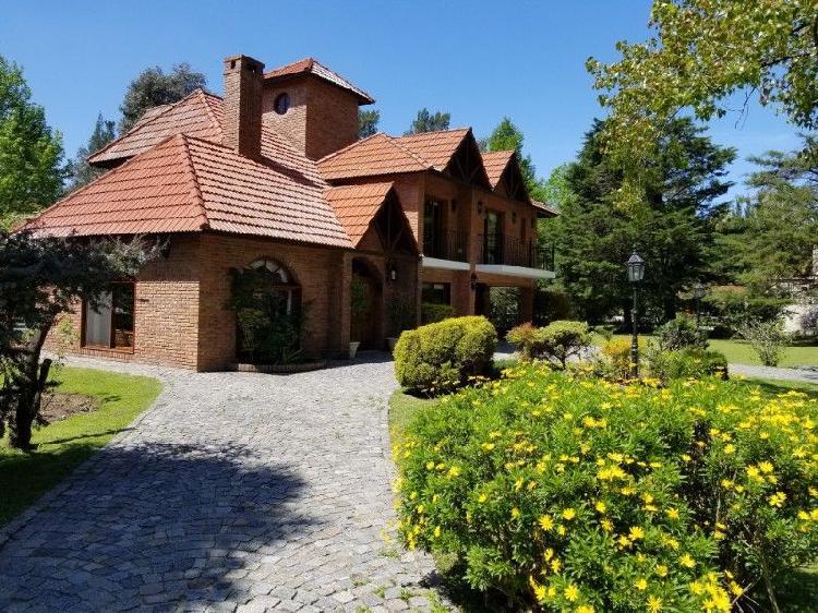 Casa country la tradición 280 m2. y 1540 m2 parque -novoa