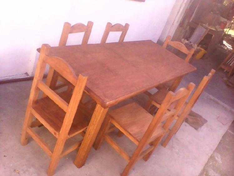 Juego mesa de 1,40 y 6 sillas rectas.