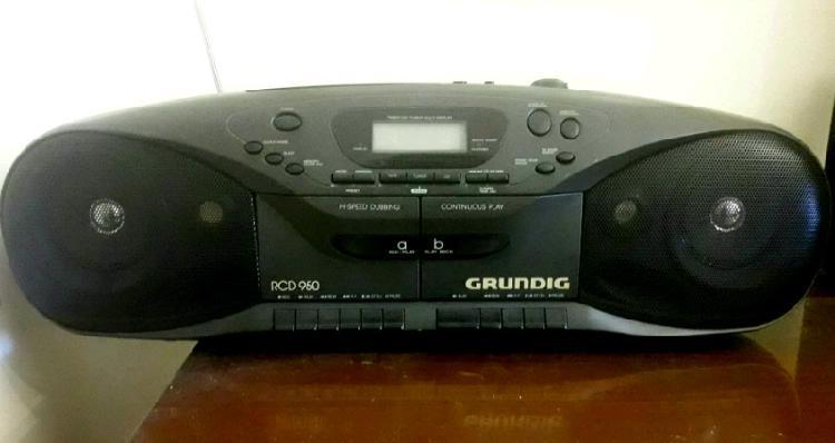 Radio Grabador Grundig con CD