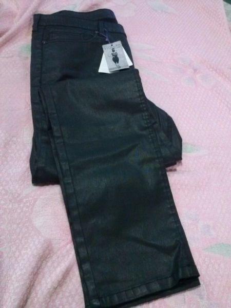 Pantalón engomado elastizado, a estrenar, talle 48, para