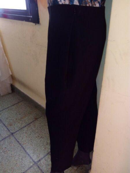 Pantalón negro, lanilla