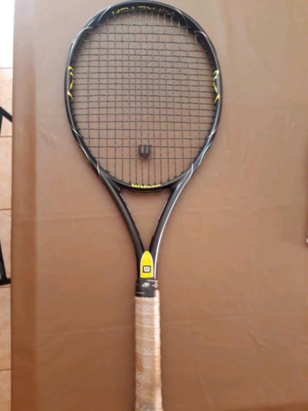 Raqueta de tenis wilson factor k