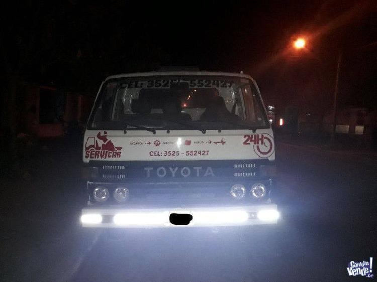 Toyota Dyna 1995 camion de auxilio restaurado