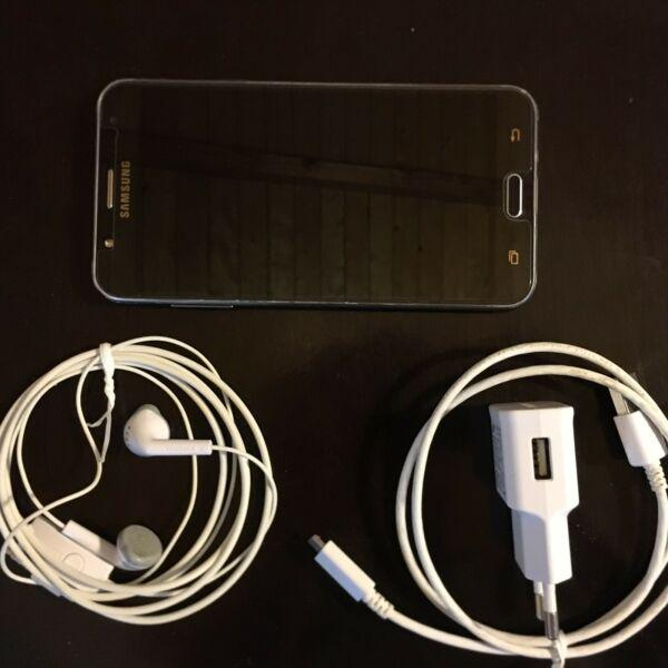 Samsung galaxy j7 liberado. con accesorios