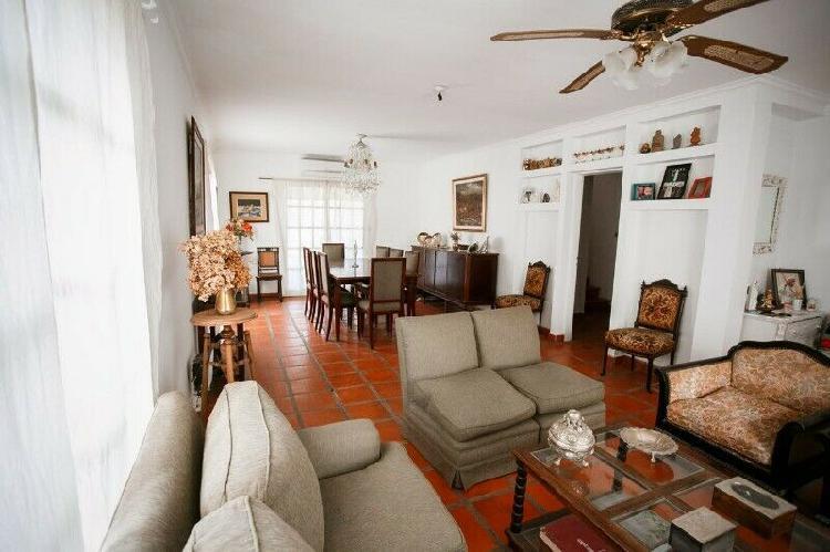 Habitaciones en casa con pileta y parrilla en yerba buena