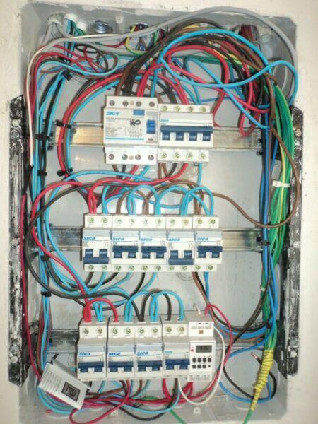 Electricista matriculado 24 hs nueva cordoba te 3512224002