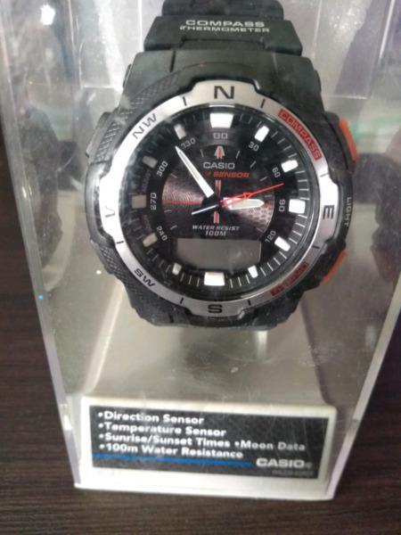 Reloj casio nuevo en estuche original.