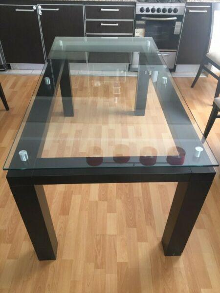 Vendo mesa ratona con vidrio