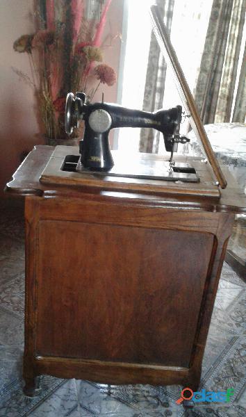 Diestra, maquina de coser antigua