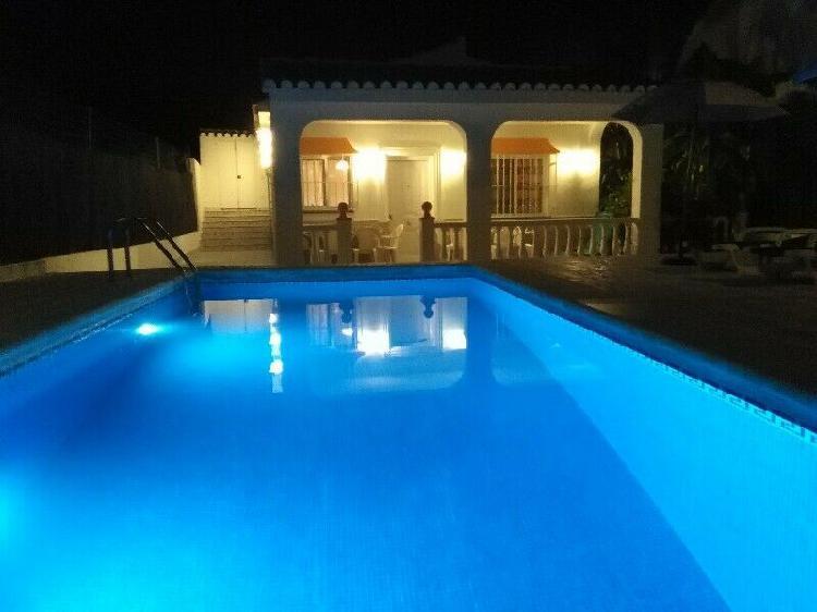 Casa rural villa belydana completa privada con piscina, málaga, españa