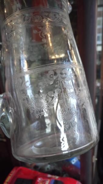 Antigua jarra de agua talla al ácido hermosa!!!