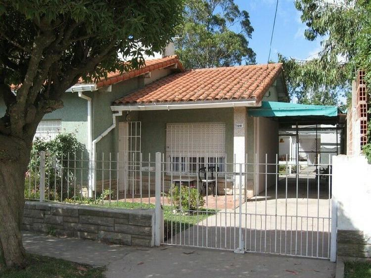 Chalet leer texto. p. mogotes, 4 amb. 6 pers. wifi, lavarr.