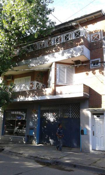 Dueño directo vende casa dpto ph de 200 mtrs cub zona