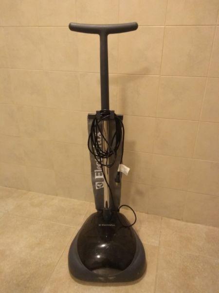 Lustra aspiradora electrolux (casi nueva)