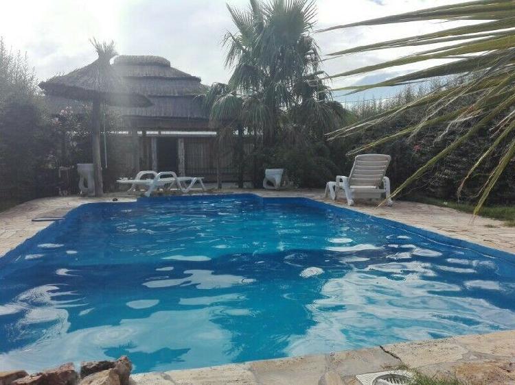 Alquiler de casa con piscina,quincho y cocheras
