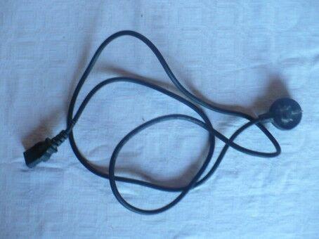 Cable de alimentación cpu o monitor. de 1,50 mts de largo.