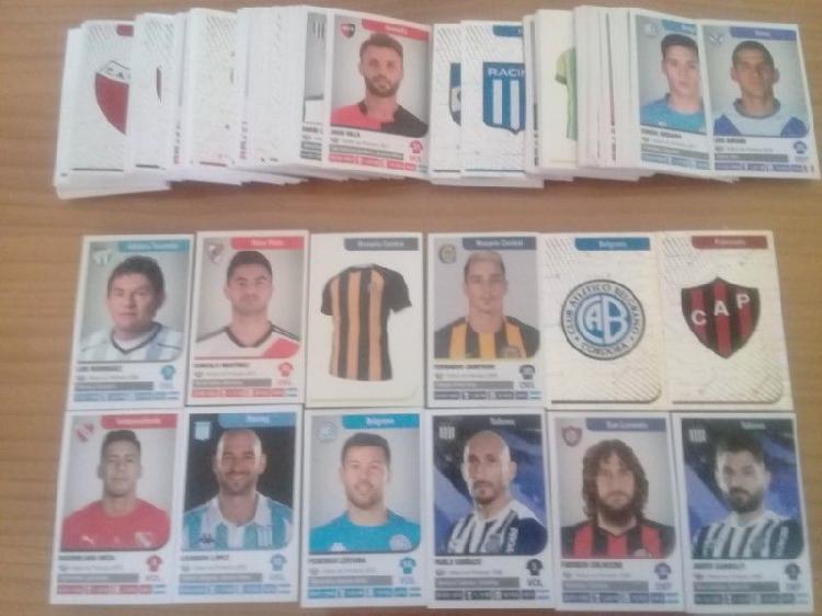 Intercambio 400 figuritas de la superliga 2018-2019