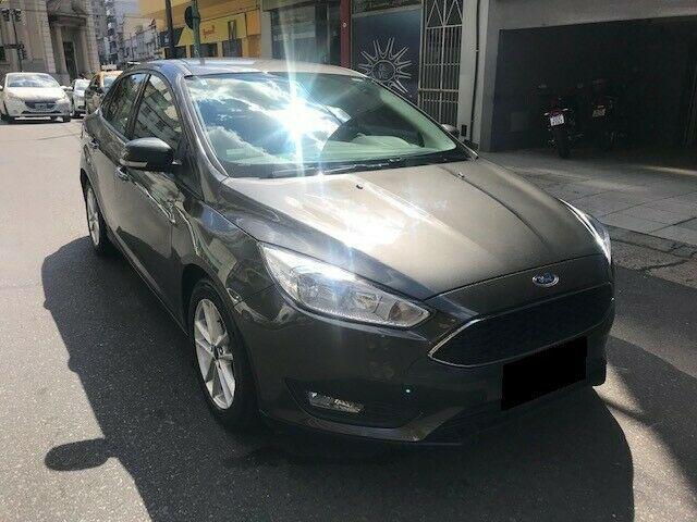 Ford focus s 4 ptas sedan man 6 vel 2016 gris oscuro único