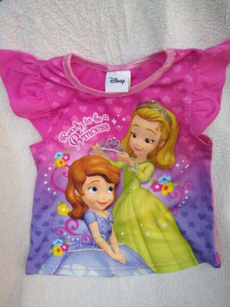 Remera disney princesas original t3 poco uso 2-3 años
