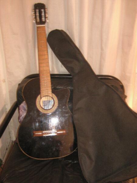 Guitarra clasica de estudio. marca