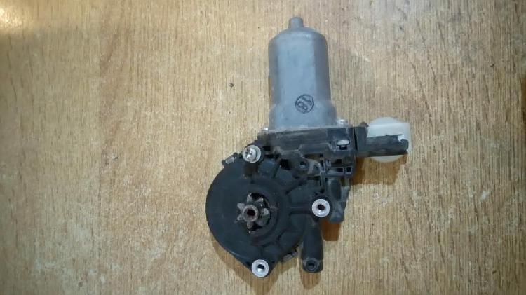 Motor levanta cristal del. derecho toyota corolla 2008/