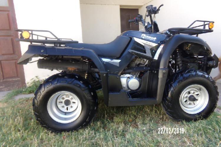 Vendo cuatri 250cc mod 2017 con trailer.
