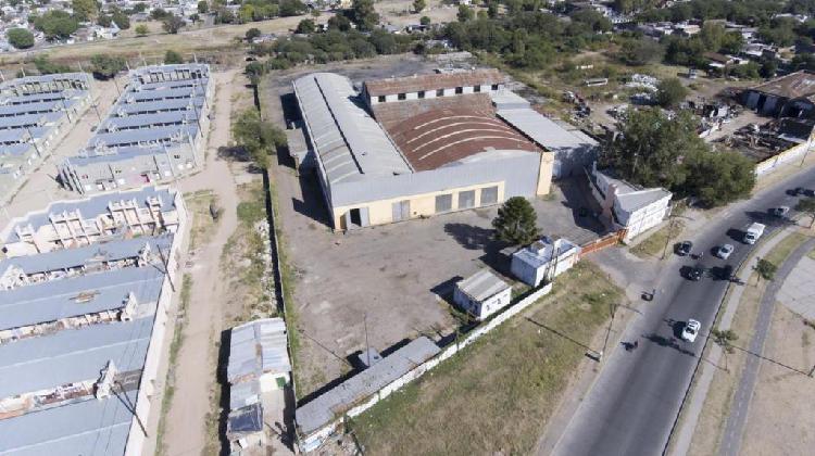 Galpon industrial con nave de 7.200 m2