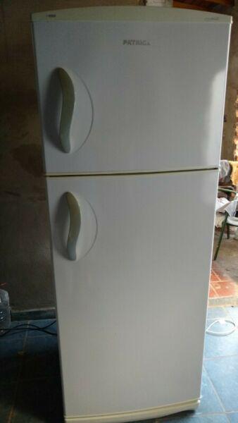 Heladera patrick con freezer perfecto estado funcionando