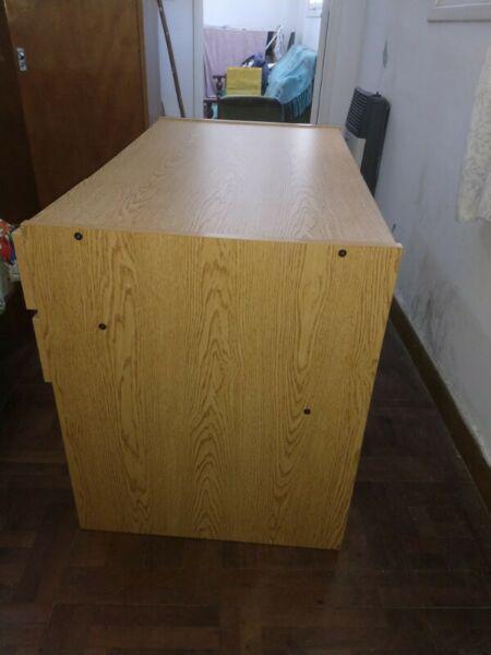 Vendo escritorio melamina para estudio 1,05 * 0,60 m