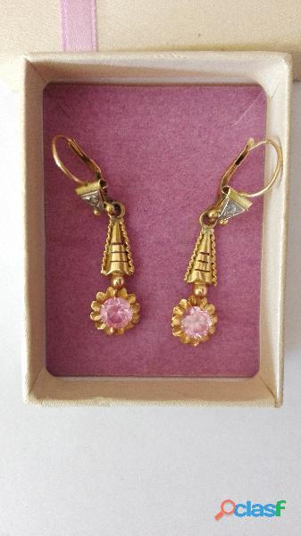 Aros de oro antiguos con piedra rosa de francia