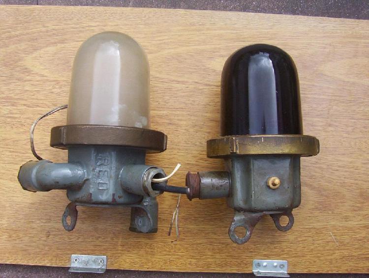 Par lamparas marinas bronce y portátil submarino ara s22