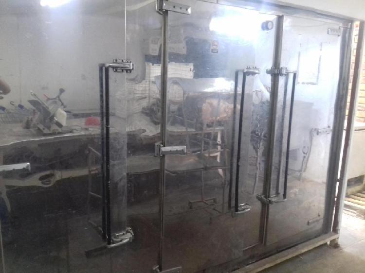 Cámara de frío carnicera, con motor monofásico