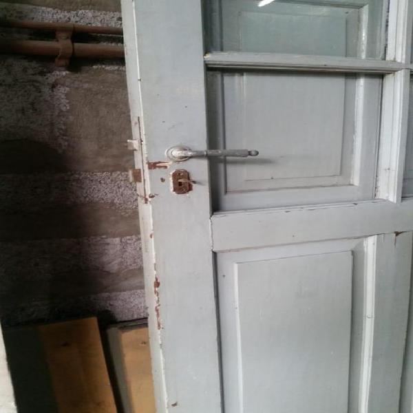 Hogar puerta maciza del año 1930, sin marco