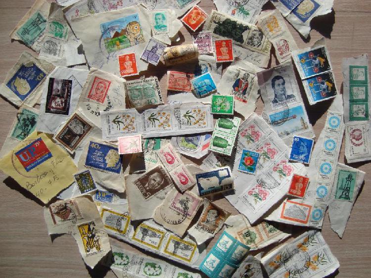 Lote de sellos postales de varios países